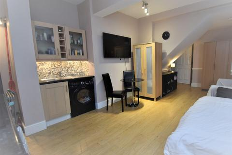 1 bedroom flat to rent - Red Roofs, Taplow, Maidenhed, SL6