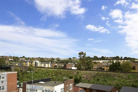 1 bedroom apartment for sale - Seren House, High Street, Strood, Rochester, Kent