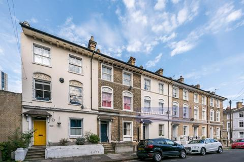 3 bedroom terraced house for sale - SOUTHOLM STREET, SW11