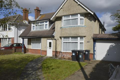 5 bedroom detached house to rent - St Lukes Road Bournemouth, BH3 7LR