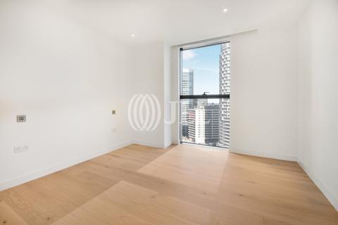 3 bedroom apartment to rent - South Quay Plaza, Canary Wharf E14