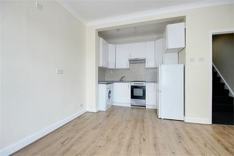 3 bedroom flat to rent - Clarence Road, Enfield, London, EN3
