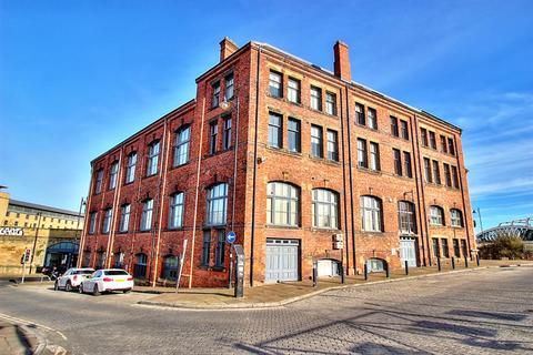 2 bedroom flat to rent - Worsdell House , Wellington Street , Gateshead , NE8 2AJ