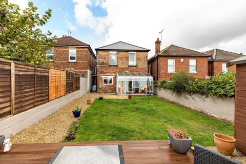 3 bedroom detached house for sale - 3 Bed Detached on Abbott Road Winton