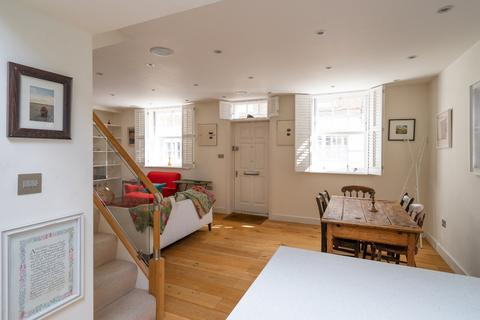 3 bedroom terraced house to rent - Denbigh Close, Notting Hill, W11