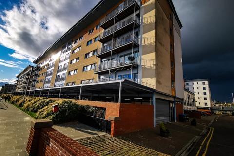 2 bedroom flat to rent - Marine Parade Walk, City Quay, City Centre, Dundee, DD1 3AU