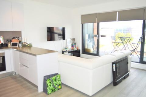 1 bedroom penthouse for sale - Brickfield Court, Bath Road, Slough, Berkshire. SL1 3FX
