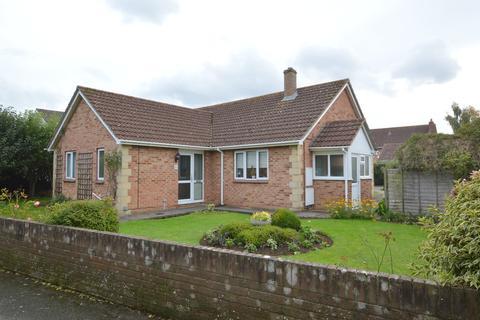 3 bedroom detached bungalow for sale - Hazelwood Road, Melksham