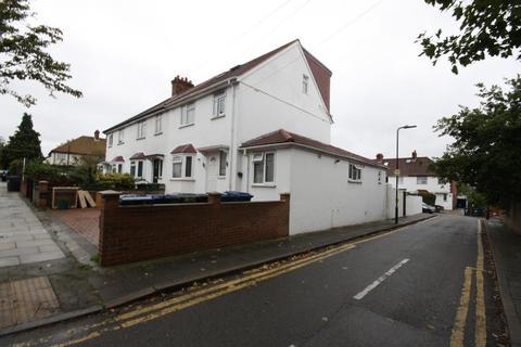 6 bedroom end of terrace house for sale - Carlisle Avenue, East Acton, London, W3 7NL