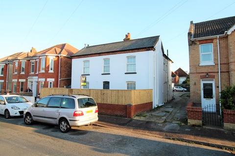 2 bedroom semi-detached house for sale - Woodside Road, Southbourne