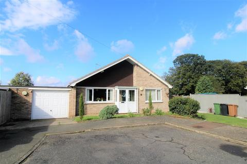 3 bedroom bungalow for sale - Spinney Close, South Wootton