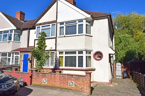 2 bedroom end of terrace house for sale - Saxon Avenue, Feltham