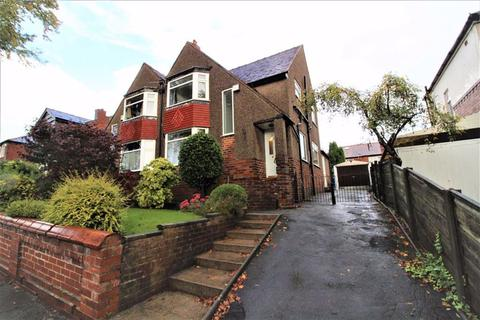 3 bedroom semi-detached house - Carlford Grove, Prestwich