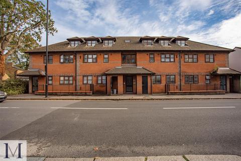 2 bedroom apartment - Northumberland Close, Hanworth Road, Hounslow