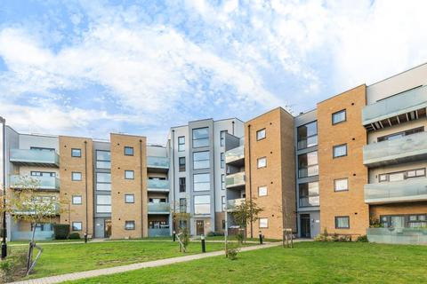 2 bedroom flat for sale - Feltham,  Middelsex,  TW13