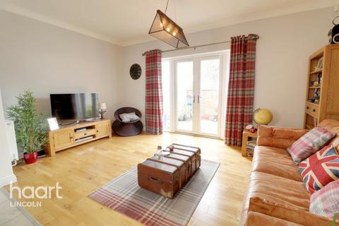 2 bedroom apartment - Carline Road, Lincoln