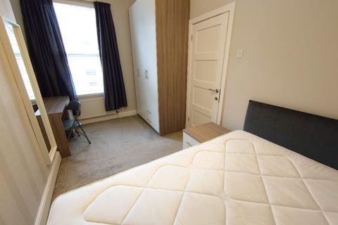 1 bedroom house share to rent - Cameron St, Kensington