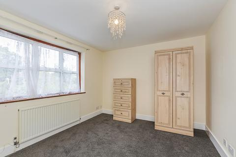 1 bedroom in a house share to rent - The Avenue, Highams Park, E4