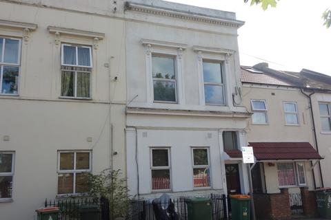 1 bedroom house share to rent - Maryland Road, London, E15