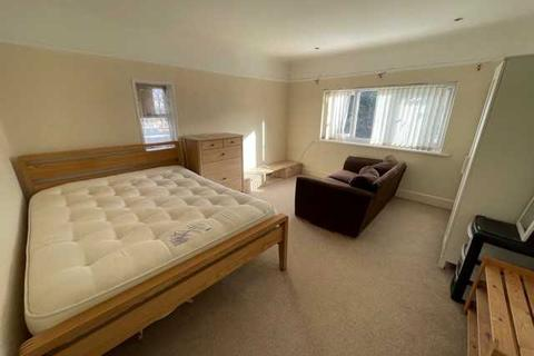 Property to rent - Sterte Avenue, Poole