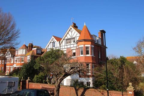 3 bedroom flat for sale - Darley Road, Eastbourne, BN20 7PB