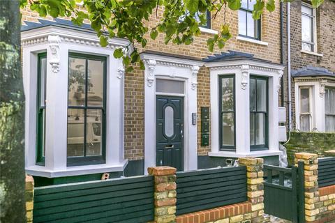 2 bedroom terraced house - Walsingham Road, London, E5