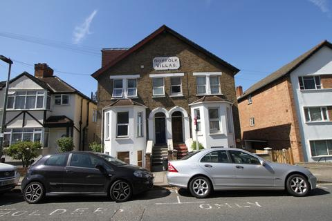 3 bedroom flat to rent - Ravensbourne Road, Bromley, Kent, BR1