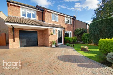 4 bedroom detached house for sale - Sowerberry Close, Chelmsford