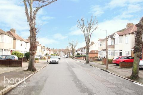 3 bedroom terraced house for sale - Ardleigh Green Road, HORNCHURCH