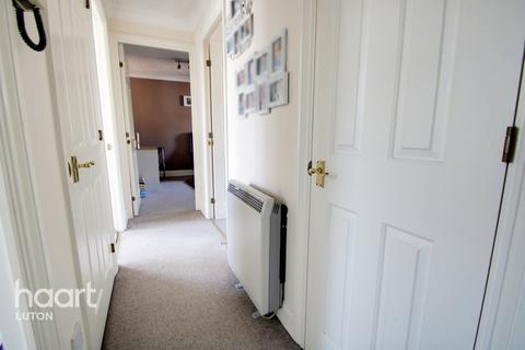 2 bedroom apartment for sale - Knights Field, Luton