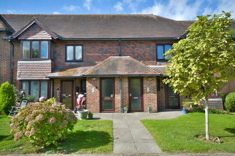 2 bedroom flat for sale - Storrington