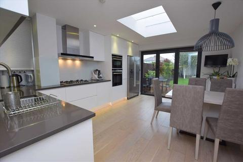 2 bedroom semi-detached house for sale - Dalston Gardens, Stanmore