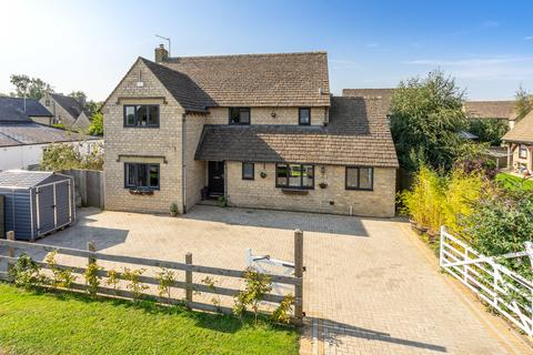 4 bedroom detached house for sale - Silver Street, Minety