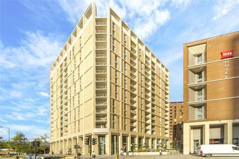 2 bedroom flat to rent - Silvertown Way, London