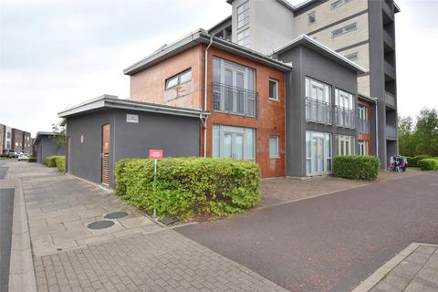2 bedroom apartment to rent - The Staiths