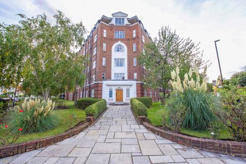 3 bedroom apartment - Belgrave Court, Wellesley Road, London, W4