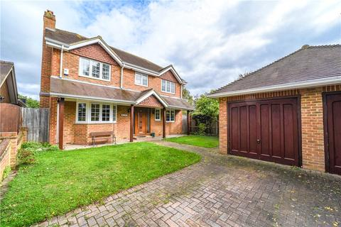4 bedroom detached house for sale - Hernes Close, Staines-upon-Thames, Surrey, TW18