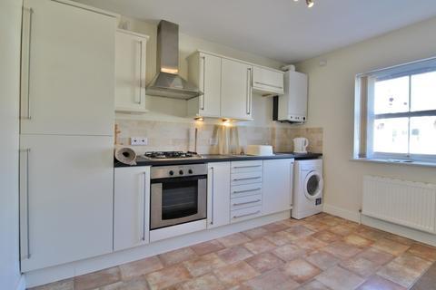 2 bedroom flat to rent - Darwin Road