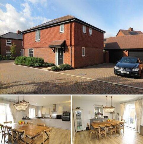 4 bedroom detached house for sale - Hop Gardens, Bentley, Farnham, Surrey, GU10