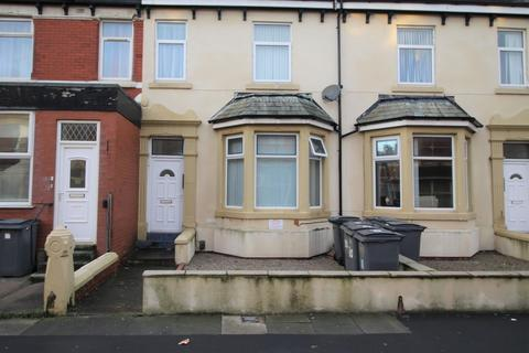 1 bedroom flat to rent - Flat 2, 30 Warbreck Drive
