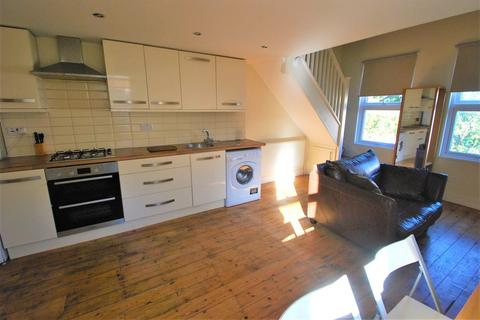 1 bedroom flat to rent - Elvendon Road, London