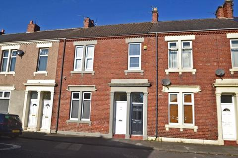 2 bedroom apartment - West Percy Road, North Shields