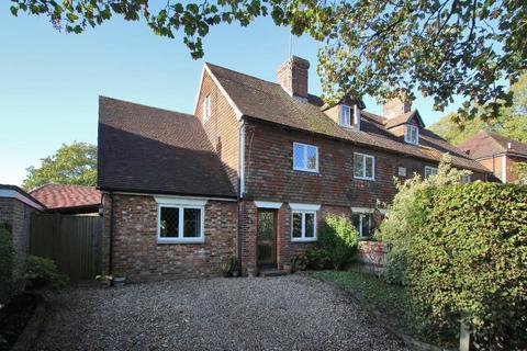 3 bedroom semi-detached house - Rectory Lane, Cranbrook, Kent, TN17 3JY