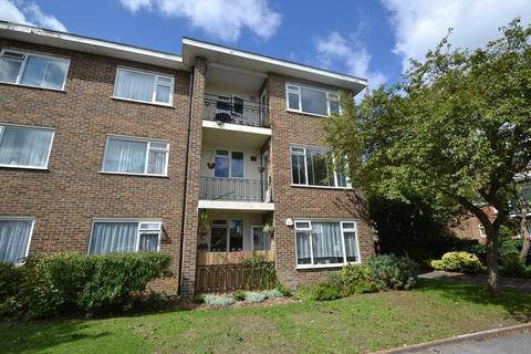 2 bedroom flat to rent - Wallace Avenue, Worthing, BN11 5QB