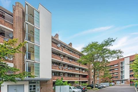 2 bedroom flat for sale - Pulham House, Dorset Road, London SW8