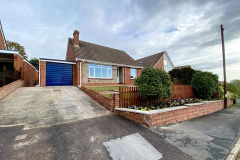 2 bedroom detached bungalow for sale - Prince Of Wales Road, Crediton