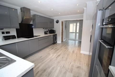 5 bedroom detached house for sale - Worth, Crawley