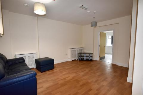 1 bedroom flat to rent - 1-3 Ashdown Road, Epsom