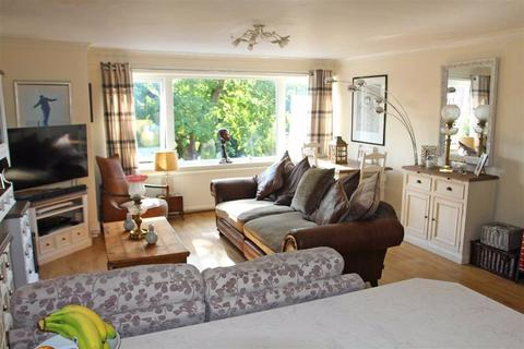 3 bedroom apartment for sale - Avenue Road, Stoneygate, Leicester