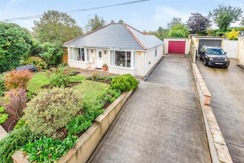 3 bedroom bungalow - Blackhorse, Exeter